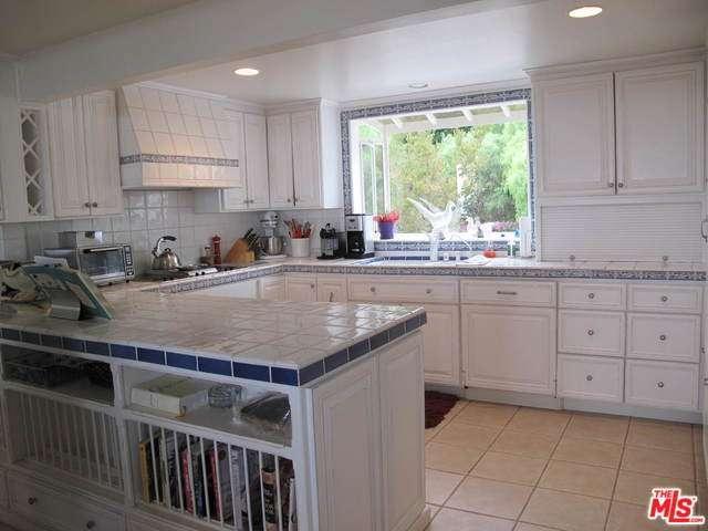 Rental Homes for Rent, ListingId:35030013, location: 28182 REY DE COPAS Lane Malibu 90265