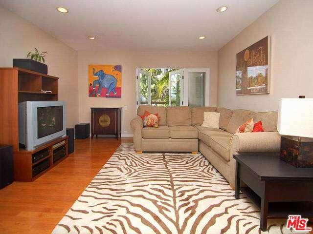 Rental Homes for Rent, ListingId:35029955, location: 330 South BARRINGTON Avenue Los Angeles 90049