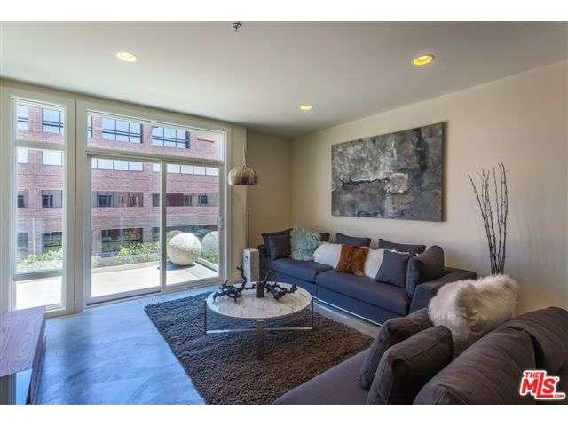 Rental Homes for Rent, ListingId:35412314, location: 119 South LOS ROLBES Avenue Pasadena 91101