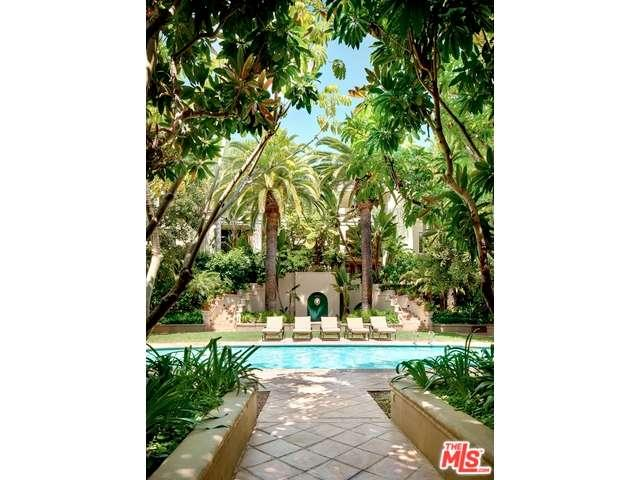 Rental Homes for Rent, ListingId:35621128, location: 555 South BARRINGTON Avenue Los Angeles 90049