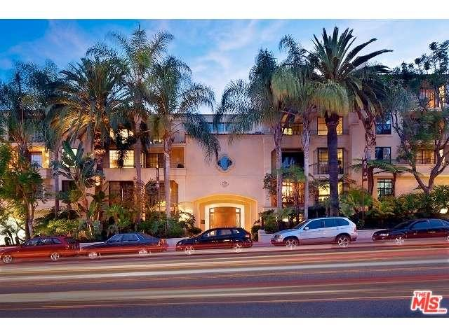 Rental Homes for Rent, ListingId:35621140, location: 555 South BARRINGTON Avenue Los Angeles 90049