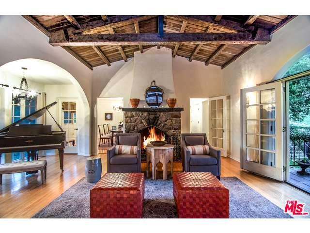 Rental Homes for Rent, ListingId:35859259, location: 3110 HOLLYRIDGE Drive Los Angeles 90068