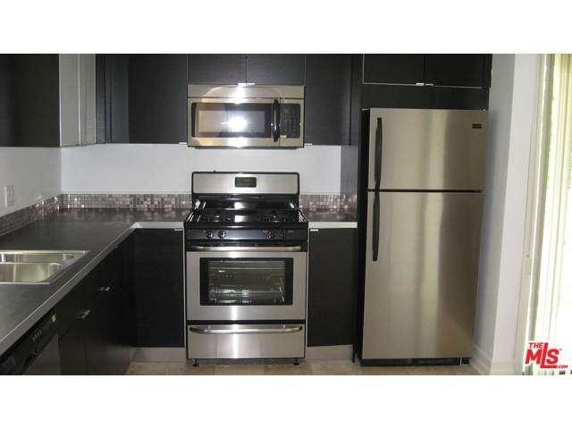 Rental Homes for Rent, ListingId:35886016, location: 11915 DARLINGTON Avenue Los Angeles 90049