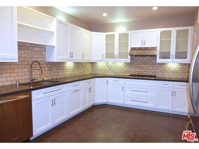 Rental Homes for Rent, ListingId:36001207, location: 11636 MONTANA Avenue Los Angeles 90049