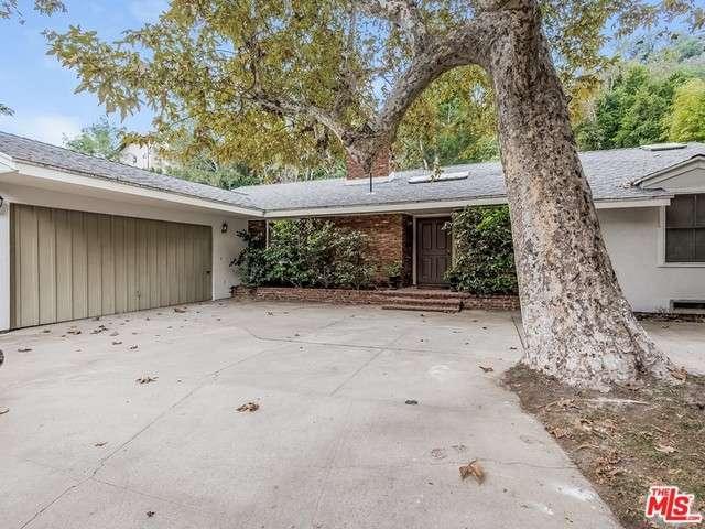 Rental Homes for Rent, ListingId:36087569, location: 1323 ROSCOMARE Road Los Angeles 90077