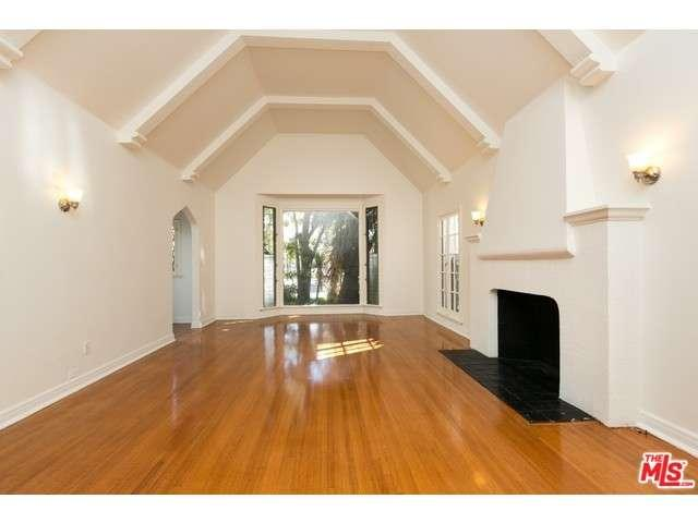 Rental Homes for Rent, ListingId:36155388, location: 147 North POINSETTIA Place Los Angeles 90036