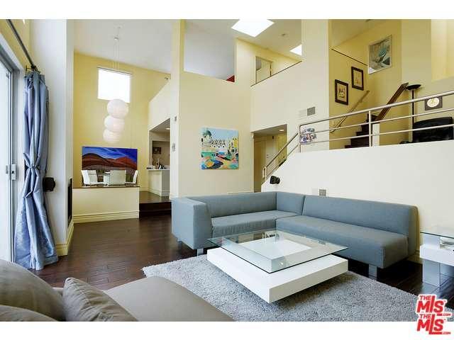 Rental Homes for Rent, ListingId:36167563, location: 514 South BARRINGTON Avenue Los Angeles 90049