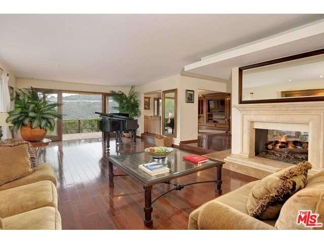 Rental Homes for Rent, ListingId:36191520, location: 1687 CLEAR VIEW Drive Beverly Hills 90210