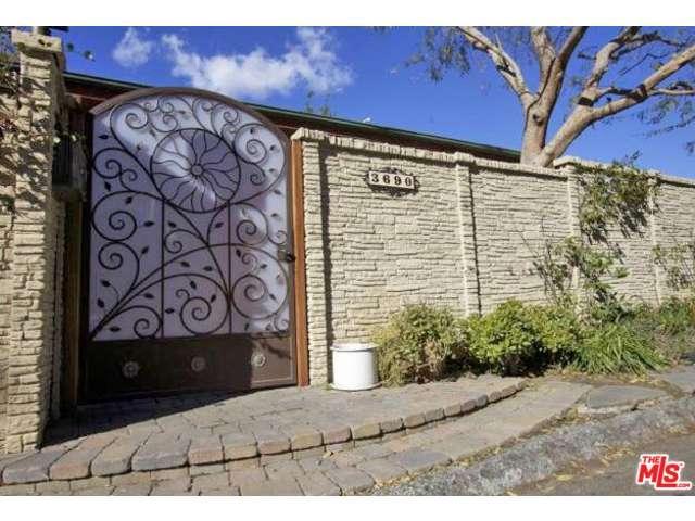 Rental Homes for Rent, ListingId:36245659, location: 3690 FREDONIA Drive Los Angeles 90068
