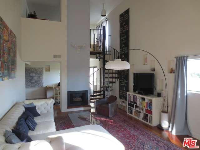Rental Homes for Rent, ListingId:36297531, location: 909 North SIERRA BONITA Avenue West Hollywood 90046