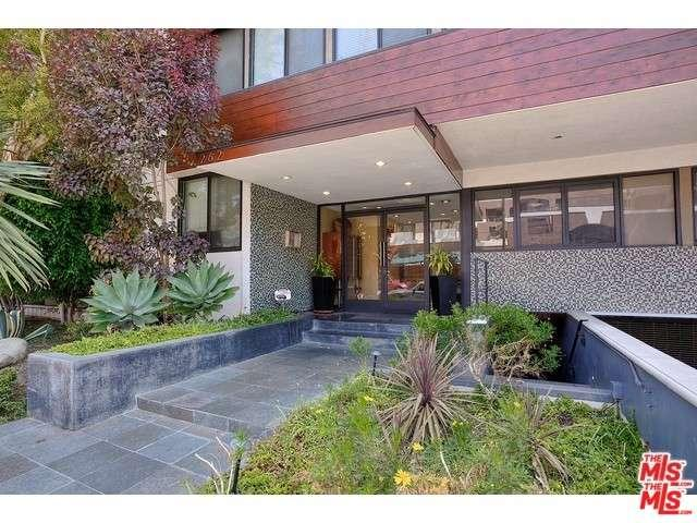Rental Homes for Rent, ListingId:36339288, location: 262 North CRESCENT Drive Beverly Hills 90210
