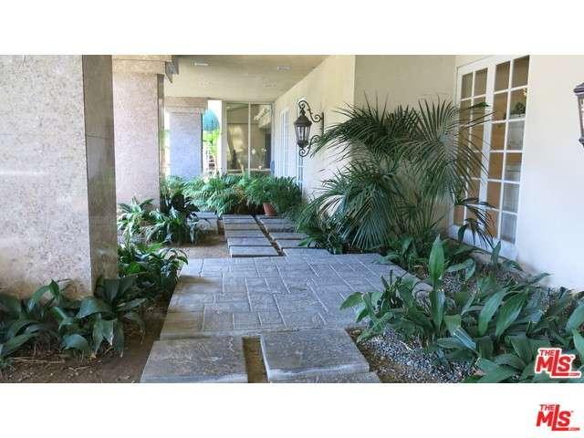 Rental Homes for Rent, ListingId:36383865, location: 8811 BURTON Way Los Angeles 90048
