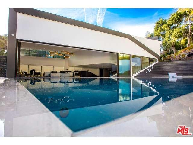 2210  BOWMONT Drive, Beverly Hills, California