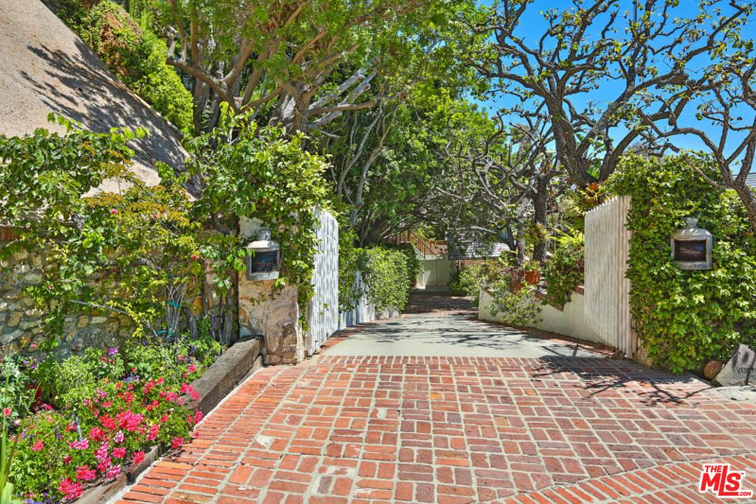 31500  VICTORIA POINT Road, Malibu in Los Angeles County, CA 90265 Home for Sale