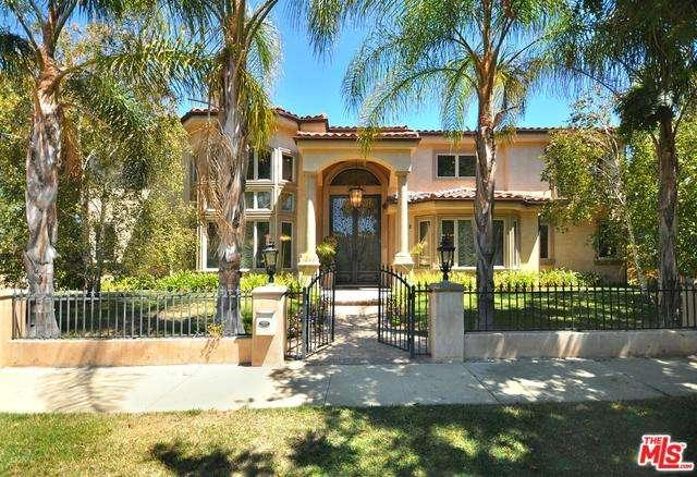 Photo of 4822 North VALJEAN Avenue  Encino  CA