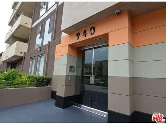 Photo of 940  ELDEN Avenue  Los Angeles City  CA