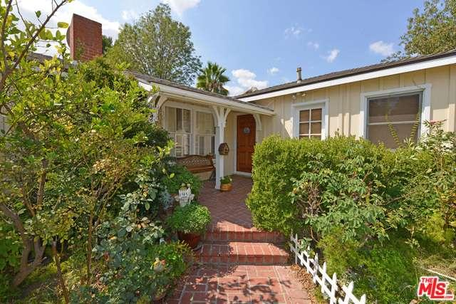 Photo of 19454  SHIRLEY Court  Tarzana  CA