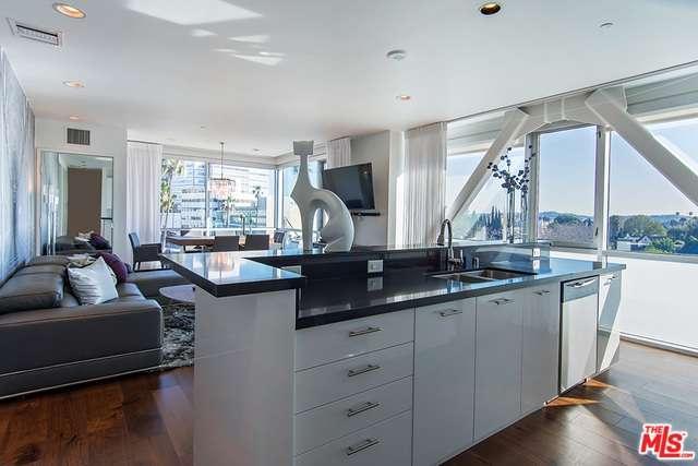 Condominium, High or Mid-Rise Condo,Modern - Beverly Hills, CA (photo 2)