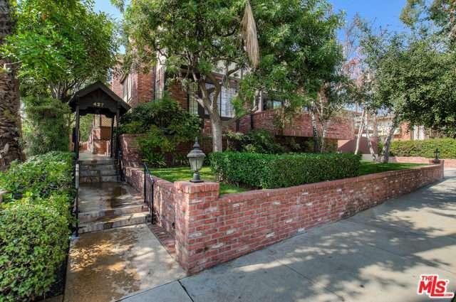 Photo of 427 South EL MOLINO Avenue  Pasadena  CA