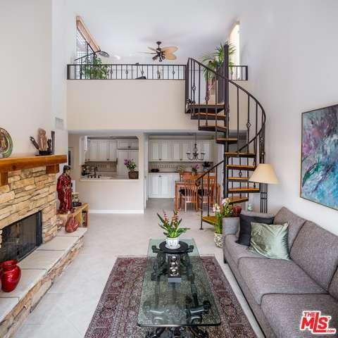 950 N Kings Rd, West Hollywood, CA 90069