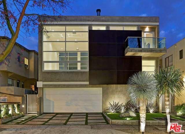 704 Huntley Dr, West Hollywood, CA 90069