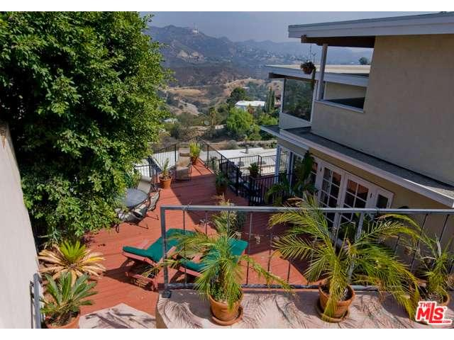 Rental Homes for Rent, ListingId:36893846, location: 2842 LAS ALTURAS Street Los Angeles 90068