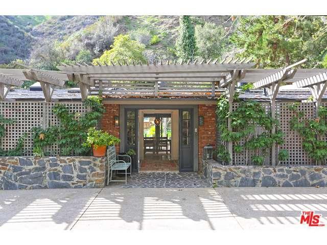 Rental Homes for Rent, ListingId:36968490, location: 2673 MANDEVILLE CANYON Road Los Angeles 90049