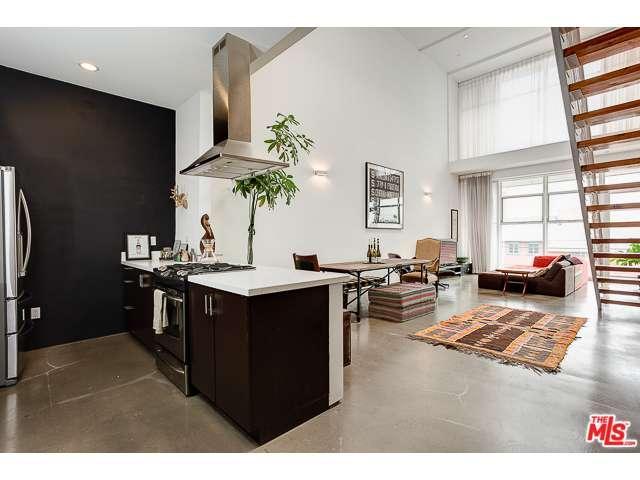 Rental Homes for Rent, ListingId:36984284, location: 611 North BRONSON Avenue Los Angeles 90004