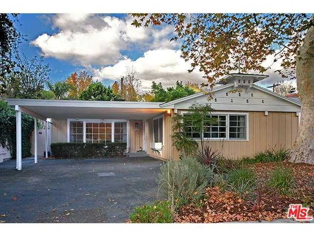Rental Homes for Rent, ListingId:36993220, location: 13113 WEDDINGTON Street Sherman Oaks 91401