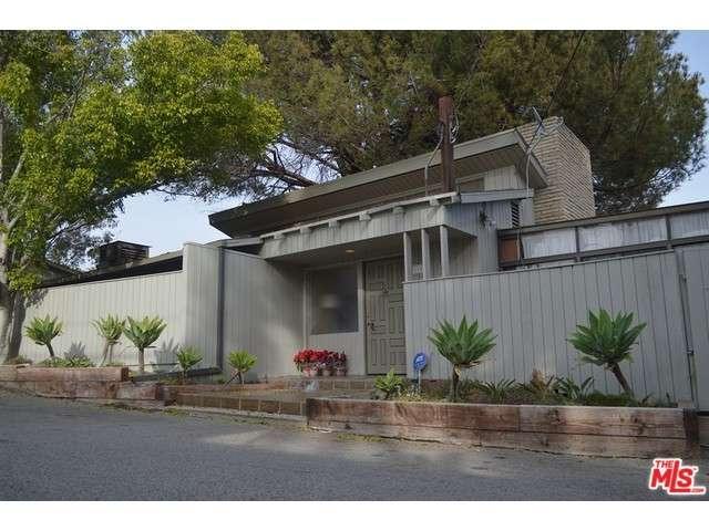 Rental Homes for Rent, ListingId:36993174, location: 1104 North TIGERTAIL Road Los Angeles 90049