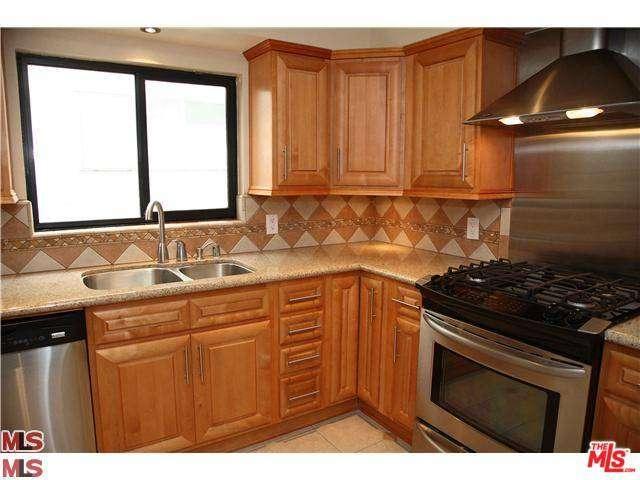 Rental Homes for Rent, ListingId:37030806, location: 1423 South BENTLEY Avenue Los Angeles 90025