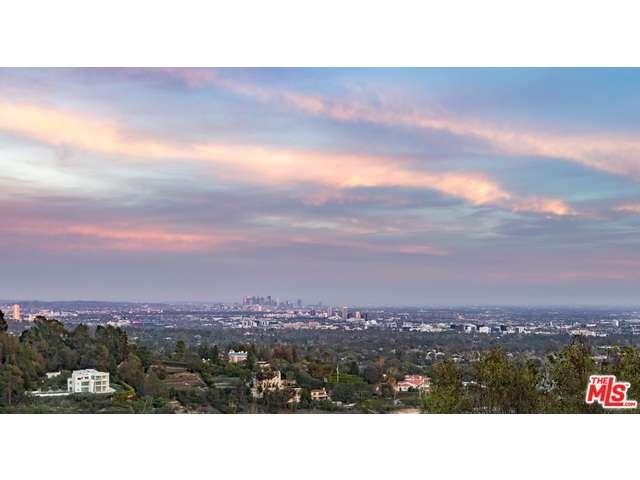 Photo of 940  STRADELLA Road  Los Angeles City  CA