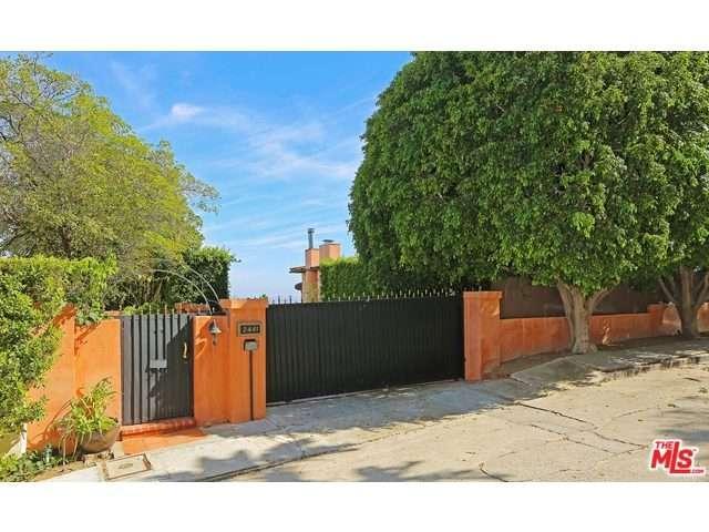 Rental Homes for Rent, ListingId:37056418, location: 2441 CHISLEHURST Drive Los Angeles 90027
