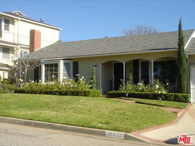 Rental Homes for Rent, ListingId:37144193, location: 11986 FOXBORO Drive Los Angeles 90049
