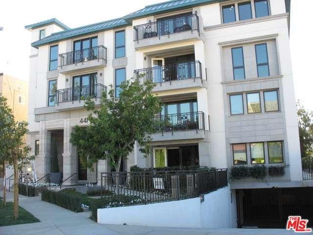 Rental Homes for Rent, ListingId:37211838, location: 441 South BARRINGTON Avenue Los Angeles 90049