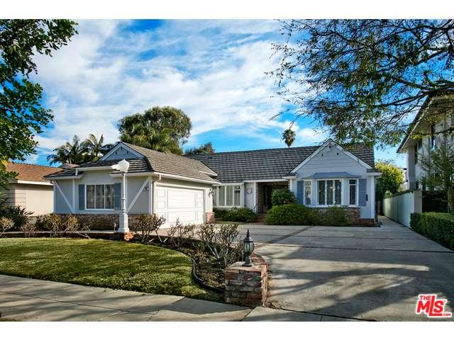 Rental Homes for Rent, ListingId:37243854, location: 1912 ROXBURY Drive Los Angeles 90035
