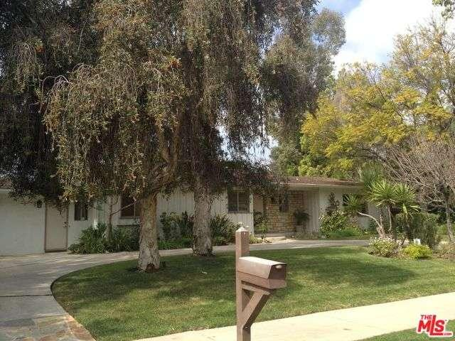 Rental Homes for Rent, ListingId:37261028, location: 4231 HAYVENHURST Drive Encino 91436