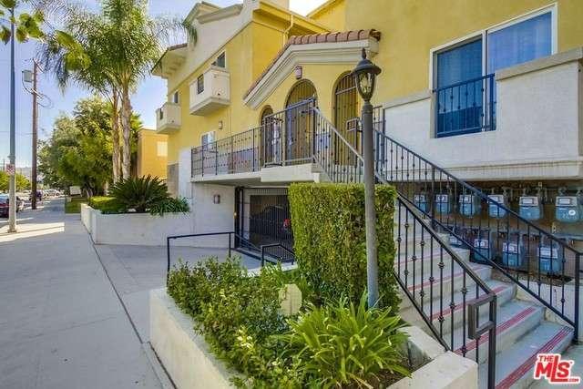Photo of 5521  KESTER Avenue  Sherman Oaks  CA