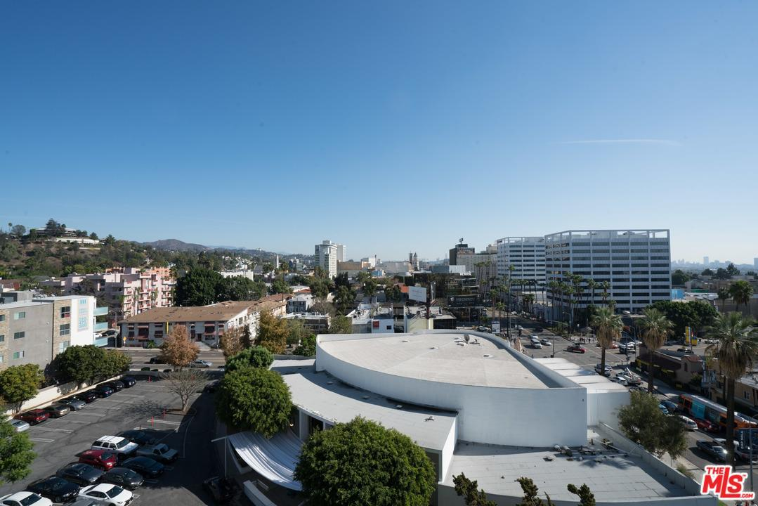 Photo of 7135  HOLLYWOOD  Los Angeles City  CA