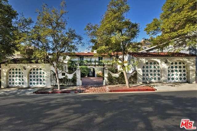 1475 North Havenhurst Drive 1 West Hollywood, CA 90046