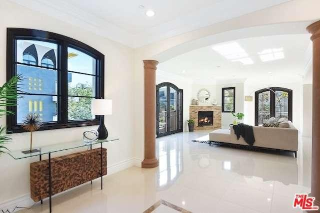 Photo of 462 South MAPLE Drive  Beverly Hills  CA