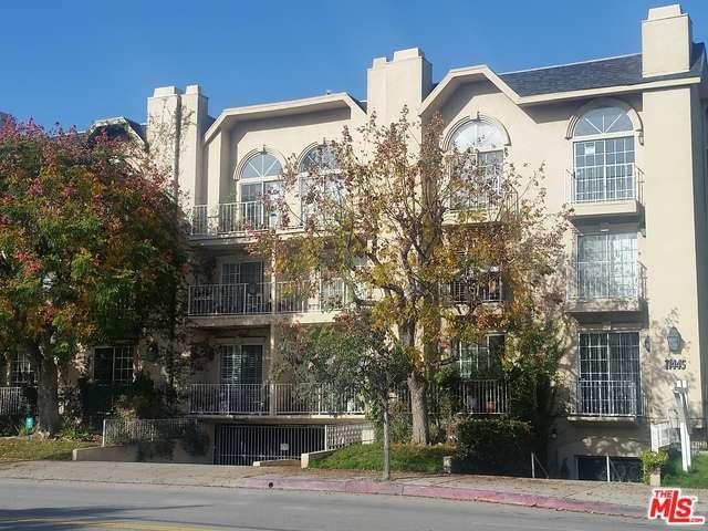 Photo of 11445  MOORPARK Street  Studio City  CA