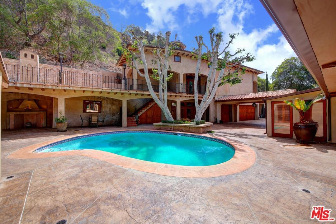 1324 Benedict Canyon Dr, Beverly Hills, CA 90210