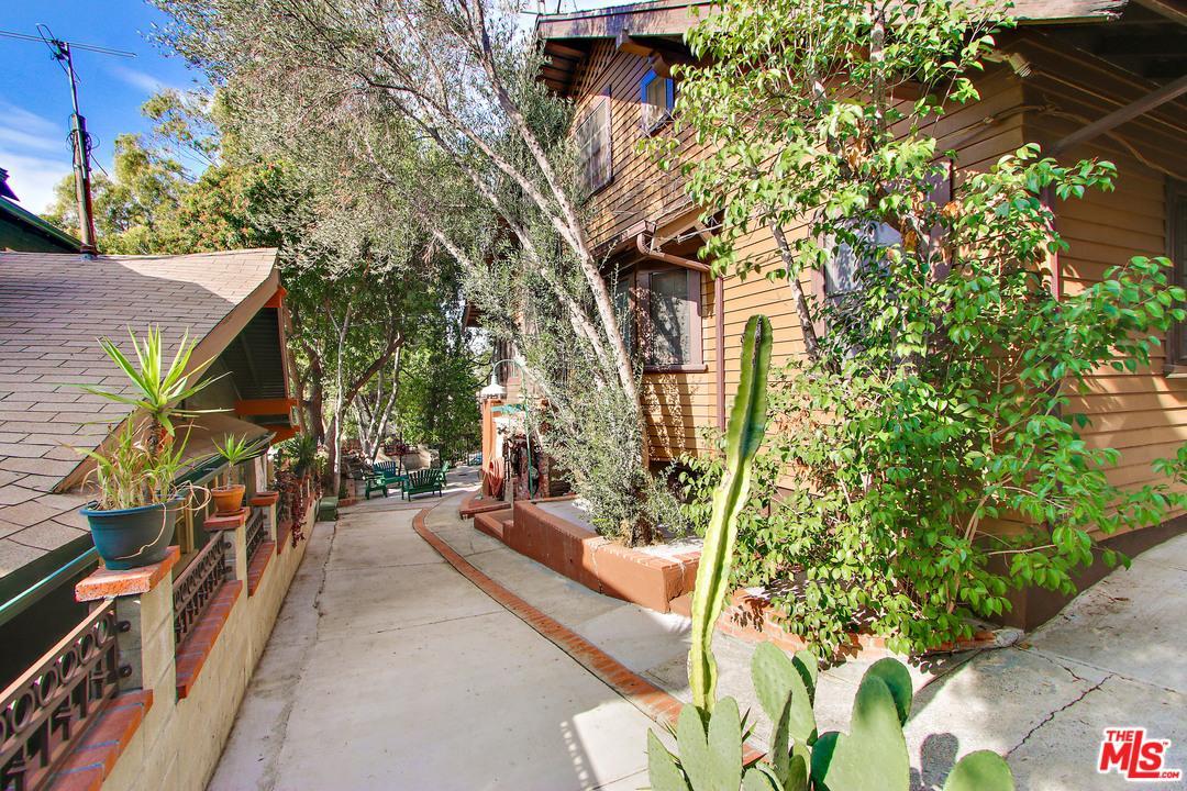 Photo of 1658  GOLDEN GATE Avenue  Los Angeles City  CA