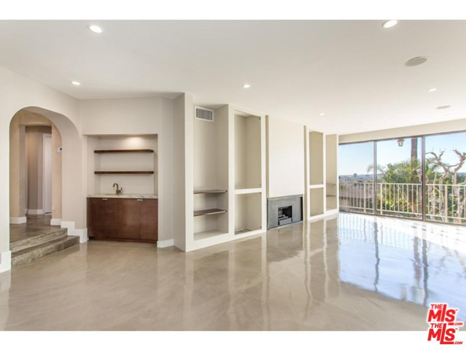 Photo of 8455  FOUNTAIN Avenue  West Hollywood  CA