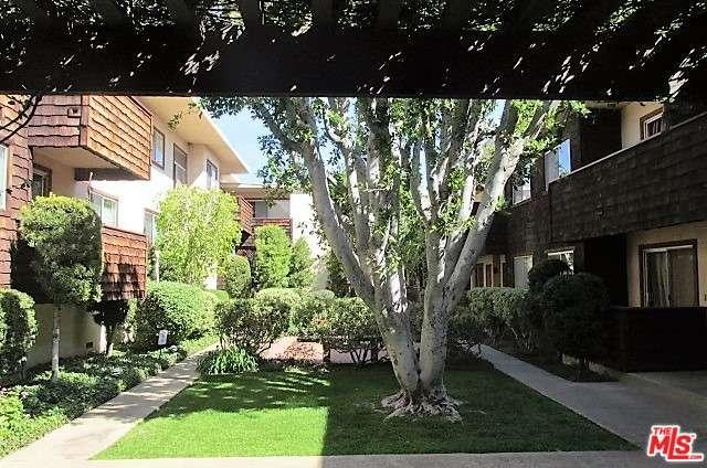 Photo of 5400  NEWCASTLE Avenue  Encino  CA