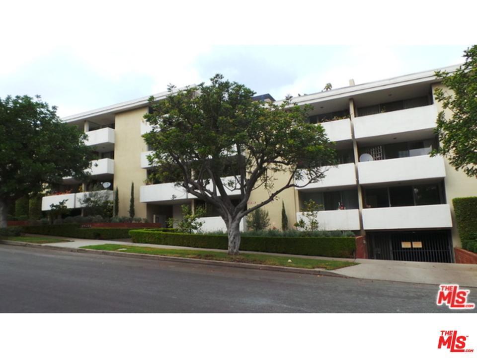 Photo of 10633  KINNARD Avenue  Los Angeles City  CA