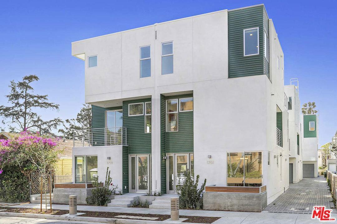 Photo of 1763 North NEW HAMPSHIRE Avenue  Los Angeles City  CA