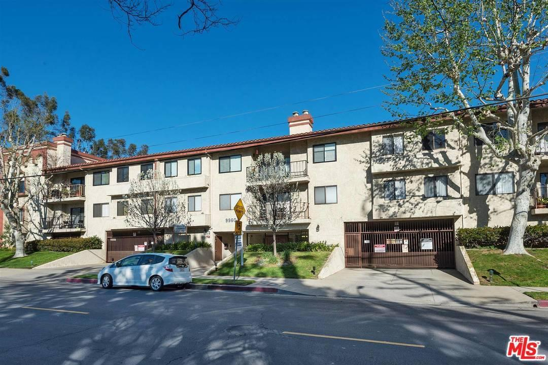Photo of 9960  OWENSMOUTH Avenue  Chatsworth  CA