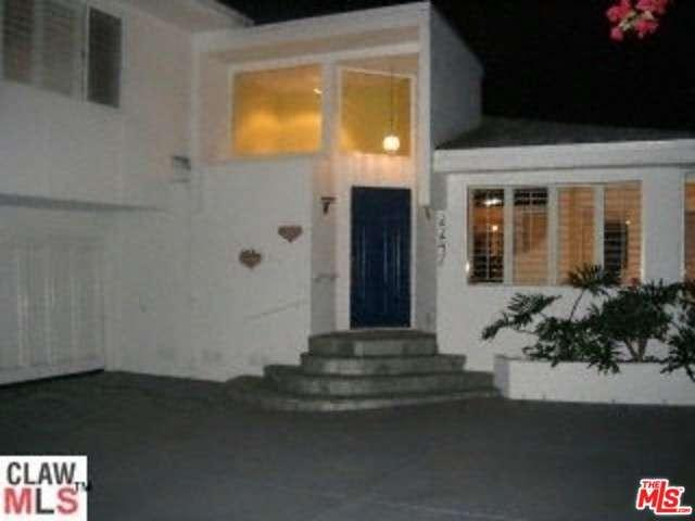 Photo of 2247  ROSCOMARE Road  Los Angeles City  CA